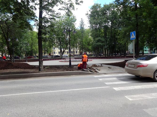 Работы по благоустройству на аллее Комсомольского проспекта от улицы Соловьева до улицы Чкалова
