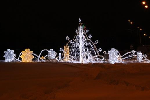 ВПерми начали демонтировать новогоднюю иллюминацию